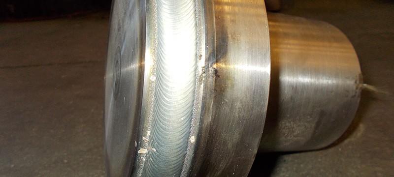 Riporto in stellite su otturatore a pistone diametro 200 in Monel 400